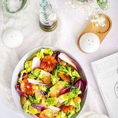 De sezon: andive + portocale rosii = 🧡 Reteta (inclusiv cateva recomandari & variatiuni pe aceeasi tema) o gasesti pe blog 👉 link in bio👆 #portocalerosii #andive #salatadeiarna #curcubeupecerulgurii #cevabun Tahini, Avocado Toast, Slytherin, Breakfast, Blood, Workout, Green, Salads, Morning Coffee