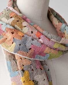 Can't tell if it's crochet or knit because the link is in Chinese, but it's so pretty!: