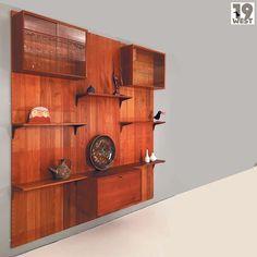 Dänisches Teak-Wandregalsystem von Poul Cadovius for Cado. For sale on www.19west.de. #19west #vintage #design #furniture #möbel #designklassiker #fifties #sixties #seventies #modernist #midcentury #wohndesign #vintagemöbel #vintagedesign #retromöbel #teak #danishdesign #cado