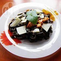 Zwarte pasta met gorgonzolasaus @ allrecipes.nl