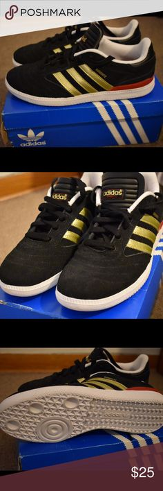 Adidas kids shoes size 6 Brand new pair of Adidas for kids in US size 6. Shoes are brand new but the box is beat up. Adidas Shoes Sneakers