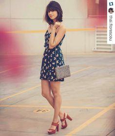 #elausaprigoncalves / Nossa modelo linda @thai.floresceu apostou no look leve e fresquinho com a nossa mega pata vermelha / Compre no site: www.prigoncalves.com.br /  Departamento: Sandálias / Mega Pata