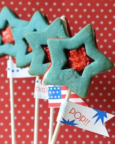 Pop star cookie pops. Pop Rocks filled star sandwich cookie pops with free printable (made by the decorated cookie for SheKnows.com)