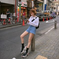 Korean Fashion Trends you can Steal – Designer Fashion Tips Korean Fashion Summer Casual, Korean Girl Fashion, Korean Fashion Trends, Ulzzang Fashion Summer, Korean Outfits, Retro Outfits, Girl Outfits, Cute Outfits, Fashion Outfits