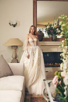 Wedding Dress Trends, Fall Wedding Dresses, Bridal Dresses, Couture Wedding Gowns, Wedding Ideas, Lace Wedding, Ball Dresses, Ball Gowns, Evening Dresses
