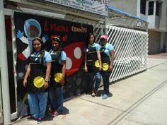 Delantales maestras proyecto EL UNIVERSO