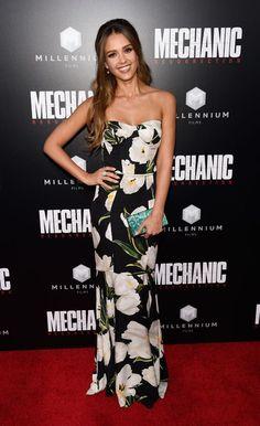 <p>Jessica Alba hace doblete en la lista de las más elegantes con este…