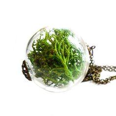 A delightful Moss Terrarium #Necklace! A handblown glass sphere housing reindeer and sheet moss.