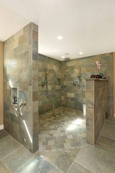 25 Amazing Walk In Shower Design Ideas - tropical-bathroom-walk-in-shower - Small Bathroom With Shower, Master Bathroom Shower, Bathroom Ideas, Bathroom Showers, Shower Ideas, Bathroom Vanities, Locker Room Bathroom, Huge Shower, Shower Mirror