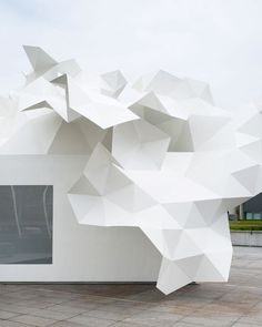 The Bloomberg Pavilion - Tokyo #pixel explosion #faceted #complexgeometries
