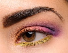 Makeup Geek Eyeshadows: Glamorous (inner lid), Mango Tango (middle of lid), Simply Marlena (outer lid), Duchess (crease), Peach Smoothie (brow), Liquid Gold (lash line)