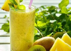 52 Healthy Nutribullet Recipes to Help You Lose Weight. These Low-Calorie Breakfast Smoothies are not only Highly Popular but also Super Easy to Make. Low Calorie Breakfast, Healthy Smoothies, Breakfast Smoothies, Kid Smoothies, Smoothie Diet, Healthy Drinks, Weight Loss Smoothie Recipes, Best Weight Loss Plan, Nutribullet Recipes