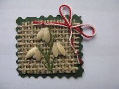 Sursa: breslo.ro Christmas Crafts For Kids, Kids Crafts, Diy And Crafts, Craft Projects, Projects To Try, Arts And Crafts, Christmas Ornaments, Pots, Spring Crafts