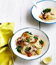 Linguine with tomato, prawns and rocket recipe :: Gourmet Traveller