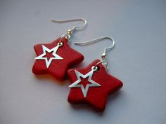 Sparkle Star earrings. £5.00, via Etsy.
