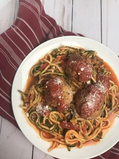 You are going to love this kid-friendly turkey meatballs and zoodles with sauce recipe. It's delicious and is just 5 WW FreeStyle SmartPoints per serving!