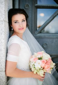 The LDS Bride: Utah State Capitol Building Modest Dress Bridals- the sleeves