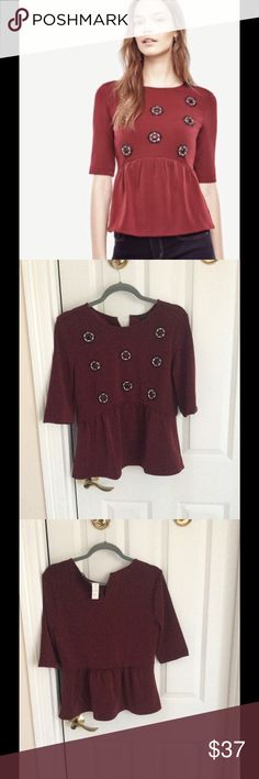 🎊🎈HP best in top💓💕🎊🎈Ann Taylor peplum top. Ann Taylor peplum top. NWT. Size M. Wine 🍷 is the color. Ann Taylor Tops