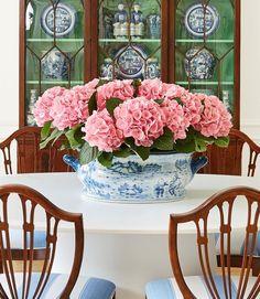 цветочного настроения, друзья #фото @thepinkpagoda #decoration #flowers #сервировка #декорстола #цветы #букет #интерьер #дизайнинтерьера