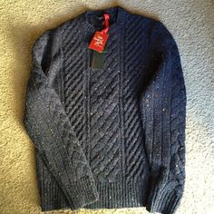 Men's crew neck sweater nwt, medium Never worn. Men's blue tweed crew neck sweater. Size medium. Express Sweaters Crew & Scoop Necks