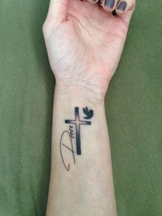 In memory tattoo of my brother with his actual handwriting - Memory Tattoo Ideas Jj Tattoos, Rip Tattoos For Dad, Grandma Tattoos, Baby Feet Tattoos, Daddy Tattoos, Brother Tattoos, Tattoos For Daughters, Body Art Tattoos, Small Tattoos