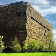 Take Your Place in History and Be Present. David Adjaye's African American history museum nears completion in Washington DC African American History Museum, African Museum, African American Culture, Washington Dc, Cruise Travel, Places Of Interest, Dezeen, National Museum, Contemporary Architecture
