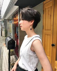 Tomboy Hairstyles, Permed Hairstyles, Short Hairstyles For Women, Pretty Hairstyles, Asian Short Hair, Girl Short Hair, Short Hair Cuts, Shot Hair Styles, Curly Hair Styles