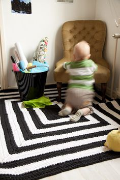Black & white crochet carpet--- Shelly can you make that?!