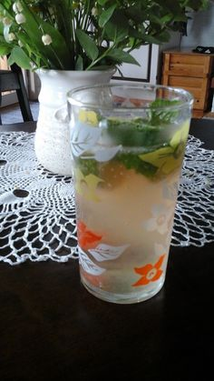 Frankly, my dear: Raparperi Mojito Mojito, Lassi, Pint Glass, Glass Vase, Beer, Drinks, Tableware, Recipes, Food