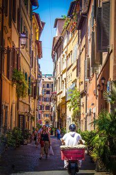 Deirdre Hayes - Google+ - Roma! #Rome +ItalyFriday #italy  #streetpics …