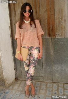модная одежда для лета: брюки с цветочным принтом