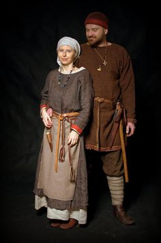A west coast Canadian that enjoys doing Century medieval reenactment with the Society for Creative Anachronism, Pacific Association for Recreating the Middle Ages, and Adrian Empire. Costume Renaissance, Viking Costume, Medieval Costume, Medieval Dress, Medieval Peasant Clothing, Viking Woman, Viking Age, Historical Costume, Historical Clothing