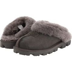 Ugg slippers on sale $71 ~ YEP! These are what I NEED!!!!