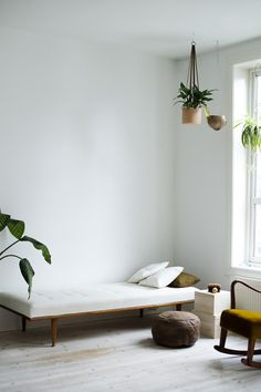 8 Young Simple Ideas: Minimalist Home Modern Chairs minimalist bedroom luxury decor.Minimalist Bedroom Bohemian Decorating Ideas boho minimalist home products. Modern Minimalist Bedroom, Interior Design Minimalist, Minimalist Apartment, Minimalist Home Decor, Minimal Design, Minimalist Kitchen, Minimal Bedroom, Bedroom Modern, Design Apartment