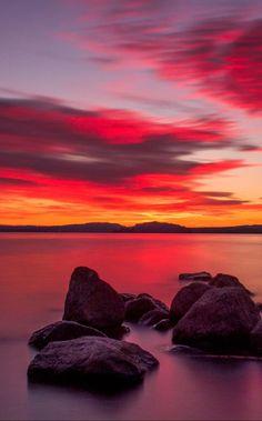Tramonto sul lago di Bolsena (Sunset over Lake Bolsena) by Romano Natali (Italy) #LandscapePaisajes
