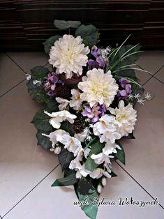Kompozycja nagrobna/funeralna r.2018 wyk. Sylwia Wołoszynek Simple Flowers, Fresh Flowers, Different Types Of Flowers, Ikebana, Memorial Day, Funeral, Flower Arrangements, Floral Wreath, Marriage