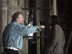 Is it scarier to be menaced by Alan Rickman as Severus Snape or by Alan Rickman himself? Alan Rickman and Gary Oldman on the set of Harry Potter and the Prisoner of Azkaban. Alan Rickman Severus Snape, Severus Hermione, Snape Harry, Severus Rogue, Draco Malfoy, Hermione Granger, Harry Potter World, Harry Potter Actors, Harry Potter Love