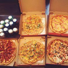 ZAAAAAAAAAAAAAAAA Vegetable Pizza, Dining, Vegetables, Instagram Posts, Life, Food, Veggie Food, Vegetable Recipes, Meals