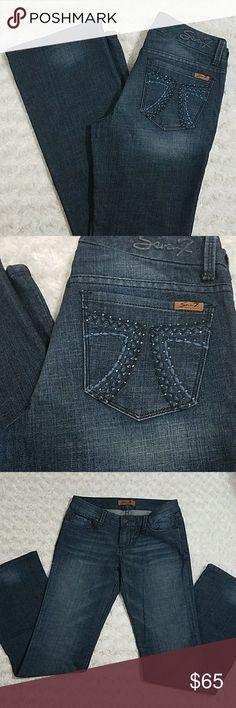 """Seven7 Rhinestone Design 7 Pocket Size 28. Great condition. Beautiful design.  Inseam: 33"""" Seven7 Jeans"""