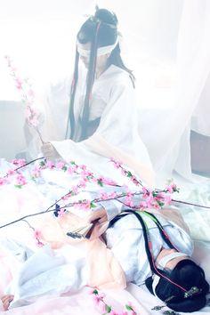[Cosplay] Tam Sinh Tam Thế Thập Lý Đào Hoa   Bạch Thiển   Kim Linh động phủ