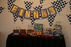 first kyle wanted motorcyle's for his birthday but now he wants cars 2, so found this really neat site someone posted of thier 3 year old sons birthday party :)