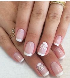 Floral Nail Art Design gives life to your nails. By adding white polish on the tips with flower details on them. Don't forget to add simple stones or glitters or embellishment on top to highlights the details . Gorgeous Nails, Pretty Nails, Hair And Nails, My Nails, Bride Nails, Trendy Nail Art, Luxury Nails, Super Nails, French Nails