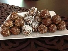 Emily Skye's 30 Day Shred - Raw Energy/Protein Balls - Plain, Coconut and Chocolate.  From the amazing Rochelle at https://www.facebook.com/chelleskitchen