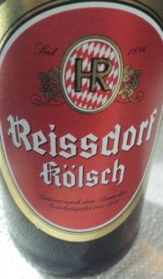 Bier (9):  Reissdorf Kölsch ★★★ Das ist die umsatzstärkste Kölsch-Marke. Gebraut wird das Bier von der Privat-Brauerei Heinrich Reissdorf in Köln-Rodenkirchen. Es ist ein obergäriges und mit 4,8 % Vol. eher leichtes Bier mit 11,8° Stammwürze. Kleine Schaumkrone, helle Honigfarbe.  blumig, duftig, fruchtig, leicht süss und süffig. Genau das was es sein soll: ein gutes Kneipenbier, von dem man ein paar Glas mehr vertragen kann.