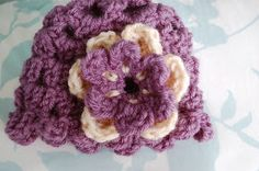 Alli Crafts: Free Pattern: Petals Newborn Hat