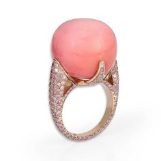 At 44.55 carats, the baroque pink conch pearl rising from the centre of this David Morris ring is one of the largest available to buy today.