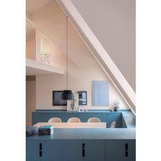 COLOR - @notedesignstudio står för konceptet i den här vindsvåningen på Södermalm. Färgskalan går i aprikos och blå, färger som gifter sig bra och som jag själv har i sovrummet på väggar och textilier. #notedesignstudio #södermalm #apartment #studio #stockholmapartment #apricot #blue #design #kitchen #kitcheninspiration #colorinspiration #färginspiration  #våning