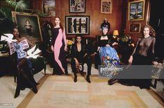 30 Years Of Yves Saint Laurent Fashion House. les 30 ans de la maison de couture d'Yves Saint-Laurent à