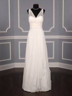 Amsale Diamond White Silk Crinkle Chiffon Destination Wedding Dress Size 4 (S) Sheer Wedding Dress, Wedding Dresses With Straps, Wedding Dresses For Sale, Wedding Dress Sizes, Designer Wedding Dresses, One Shoulder Wedding Dress, Bridesmaid Dresses, Dress Alterations, Mermaid Dresses