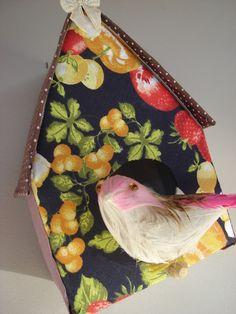Casinha de passarinho feita de caixa de leite...